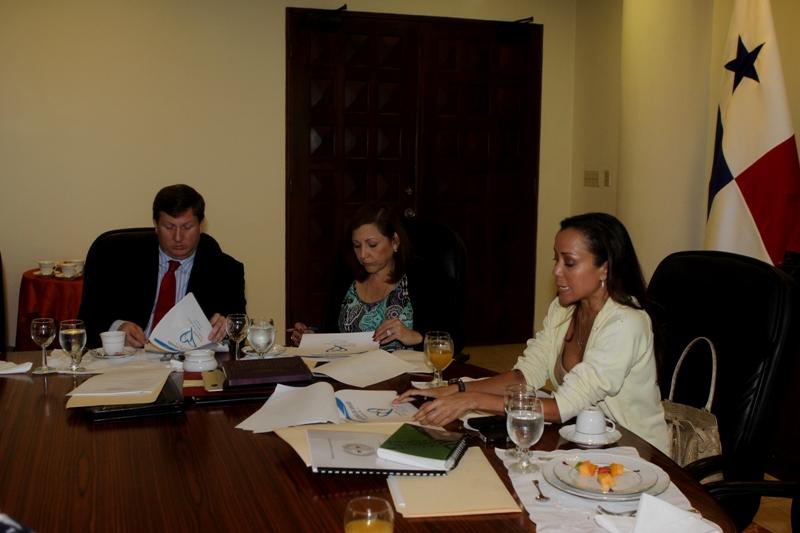 Canciller a y ministerio de seguridad coordinan for Ministerio de migracion